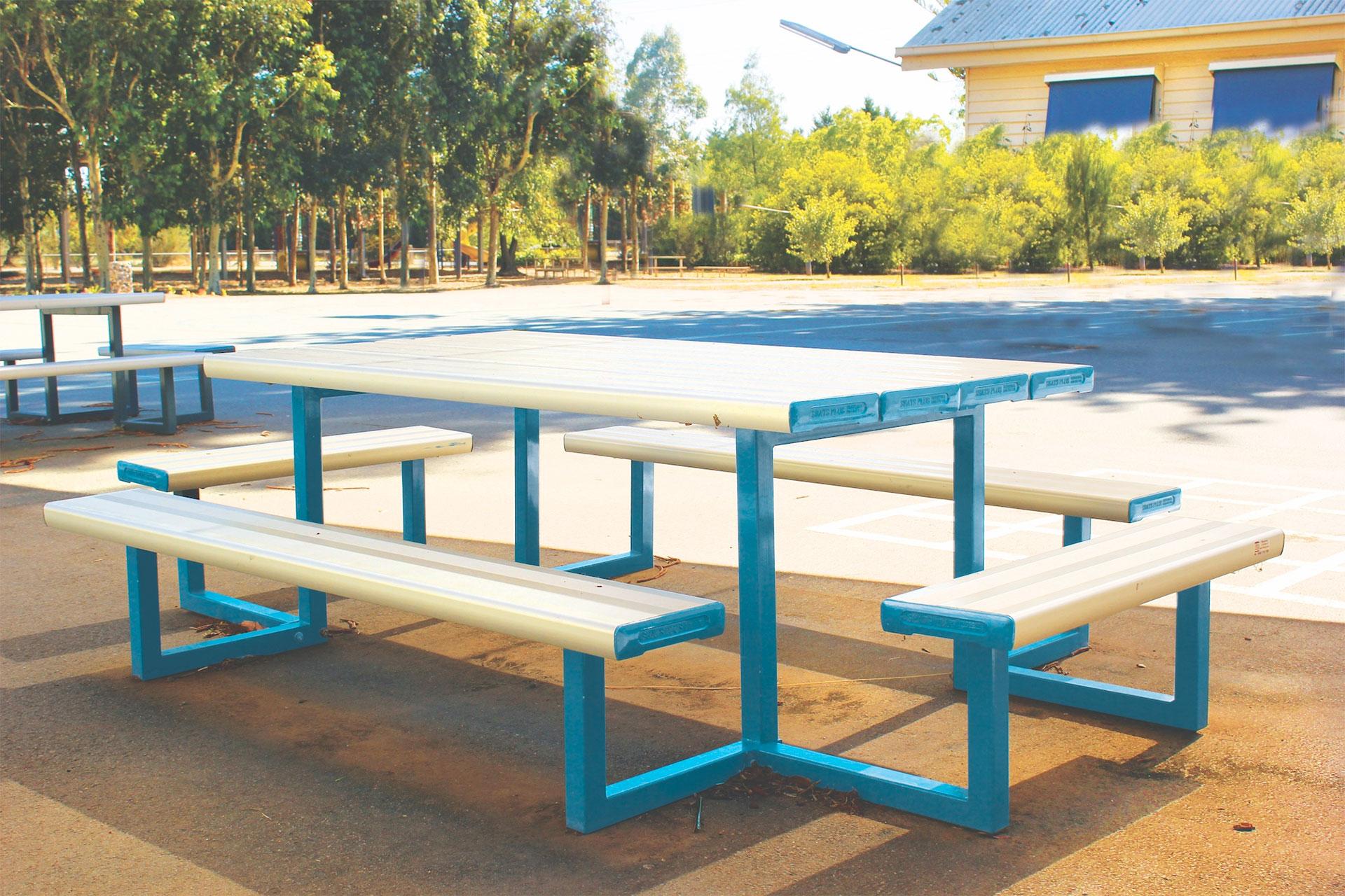 SeatsPlus Kiddie Super Seater Park Setting