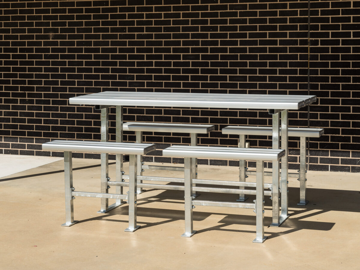 SeatsPlus Bar Table