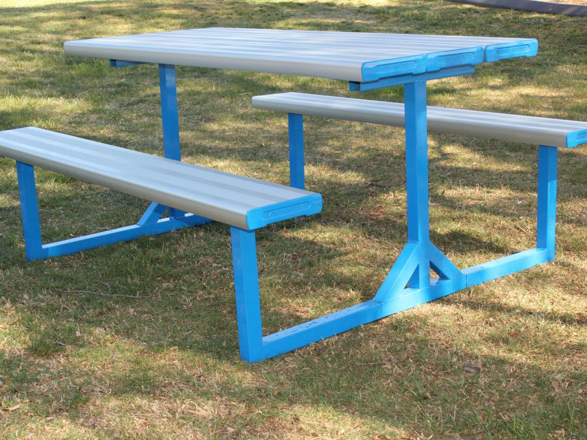 SeatsPlus Economy Park Setting
